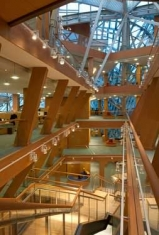 gehry_inside1